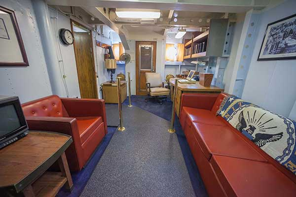 5-Executive-Officer-Stateroom-2